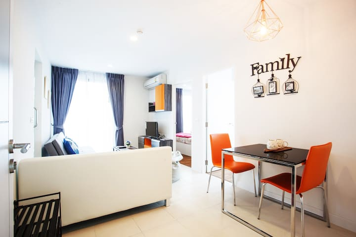 URBAN COZY 2BRs@near BTS 4min walk/POOL & FITNESS