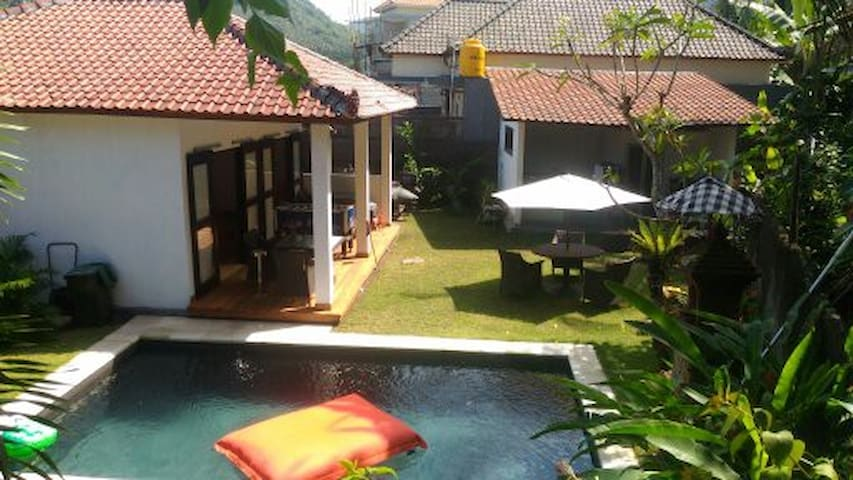 basic budget home stay candidasa