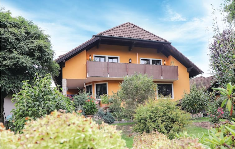 Holiday apartment with 2 bedrooms on 104m² in Rohr im Kremstal