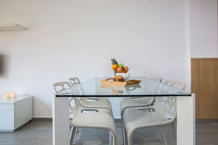 Gaudi Modern Apartment - 1152