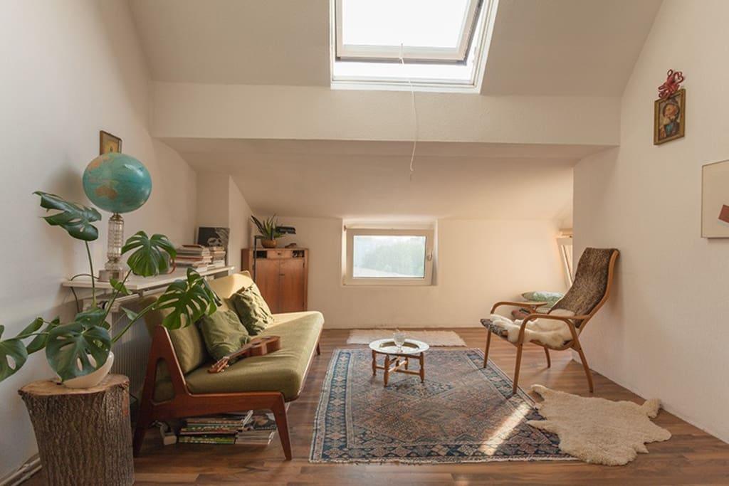 Wohnzimmer/Schlafcouch