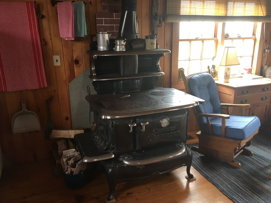 Cast iron cook stove