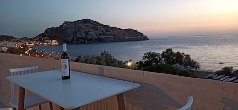 Apartamento en la azotea en Romeikos Gialos Beach