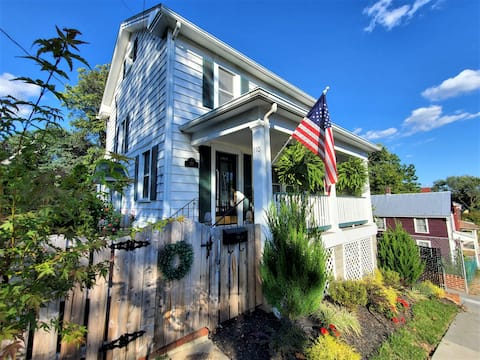 Modern Upscale Home, Historic Downtown Winchester