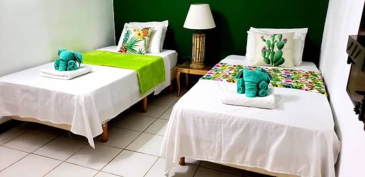Green Room @ Oceanview B&B Curacao