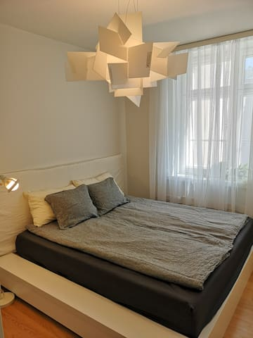 Bedroom with king size (180 cm) bed