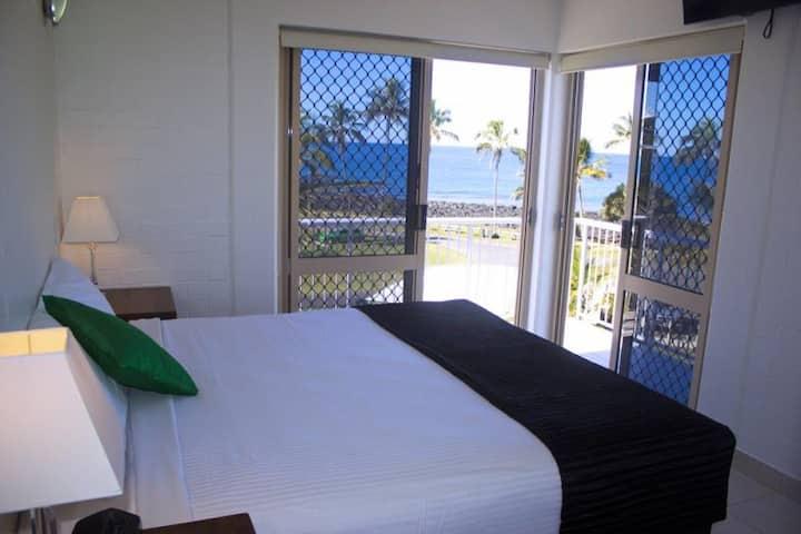 1 Bedroom Ocean Front Apartment