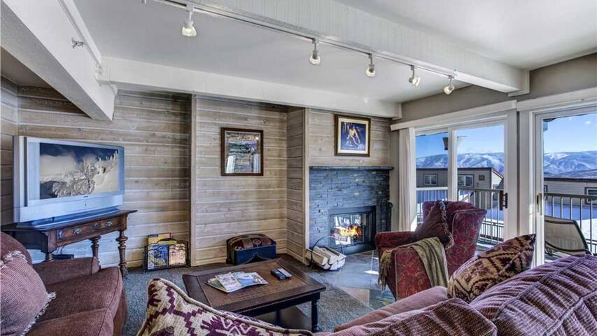 Cozy and Convenient Snowmass Condo