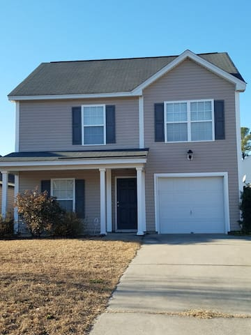 3-Bedroom Home near Ft Jackson and Williams-Brice