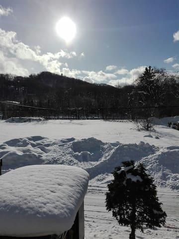 Escape crowded Niseko in Asahikawa.旭川、雪天国で遊ぼう。