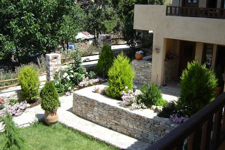 Gest house - Rent appartments - Peristera