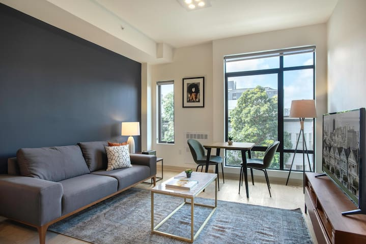 Bespoke Hayes Valley Studio w/ Rooftop, W/D, 1 min to BART by Blueground