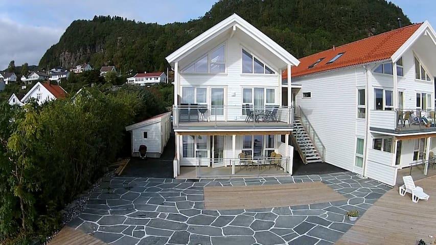 Nedstrand Fjordstuer