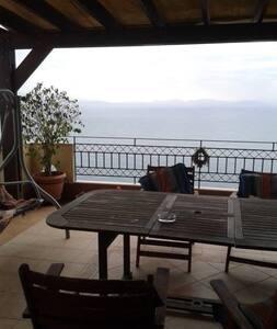 Βουνο και θαλασσα - Githio - Rumah