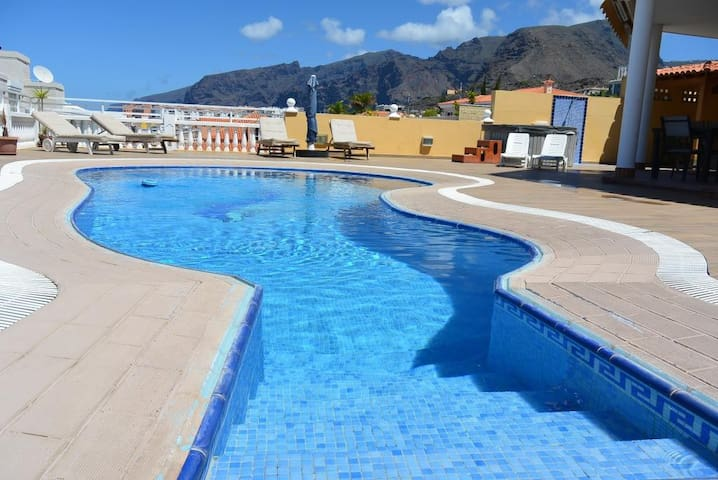 Villa with amazing view! Wi-Fi! 8 persons!