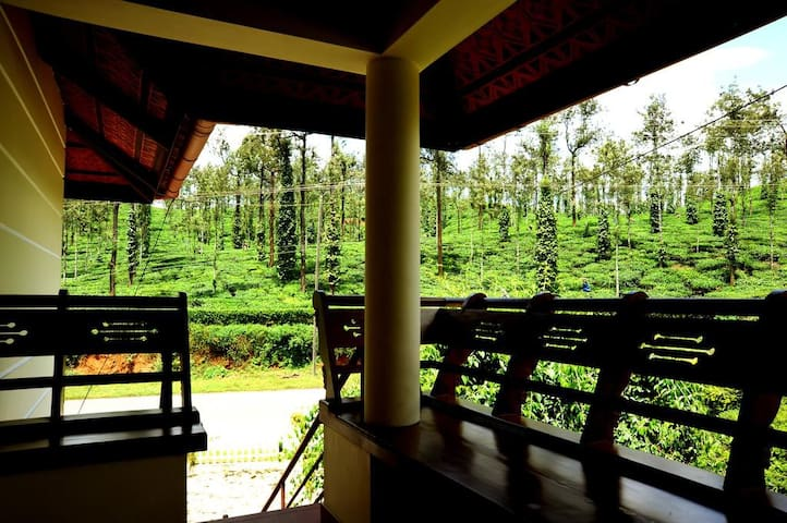 Bedroom in the tea gardens of Wayanad - Meppadi - Bed & Breakfast