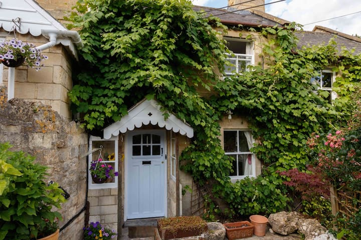 Charming Hobbs Cottage - Bath - Rumah