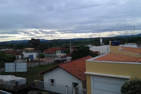 Casa Região Capitólio com linda vista da Cidade.