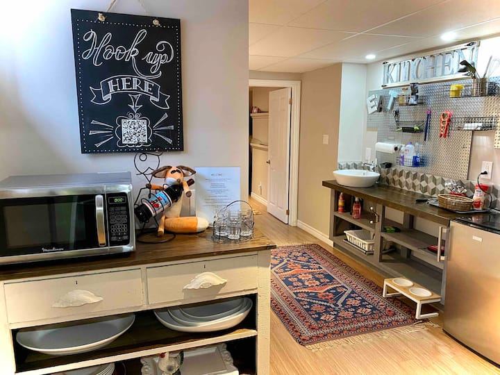Clean, attractive renovated private basement space