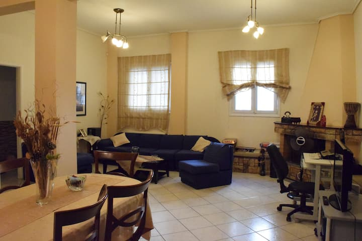 2-floor apartment in the heart of athens