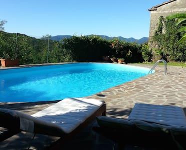 Casa indipendente con piscina. - Province of Massa and Carrara - Leilighet