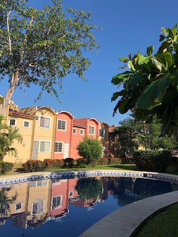 Cómoda Casa con excelente ubicación en Ixtapa.