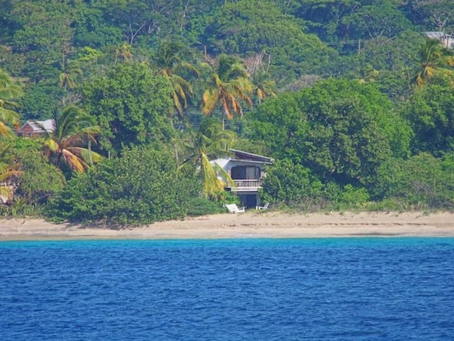 Sunkey's Place - Sand X Villa Downstairs Apartment - Carriacou and Petite Martinique - Talo