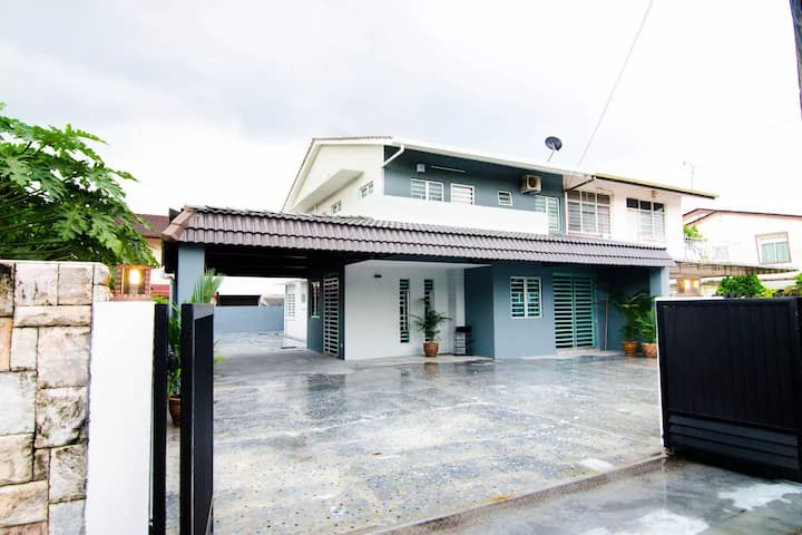 Luxurious Upscale Semi-D for 10 pax#Center of Ipoh