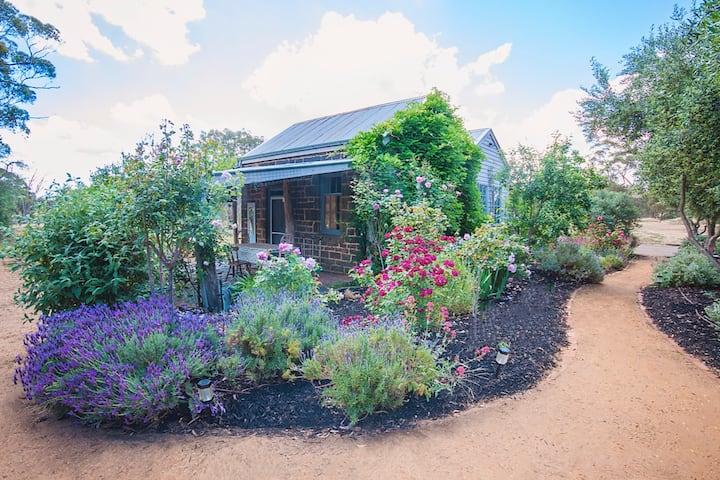 The Cottage, Boundary Farm tranquility near Maldon