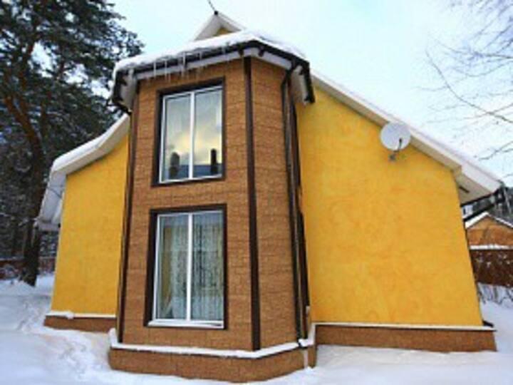 Дизайнерский дом с бассейном и русской баней.