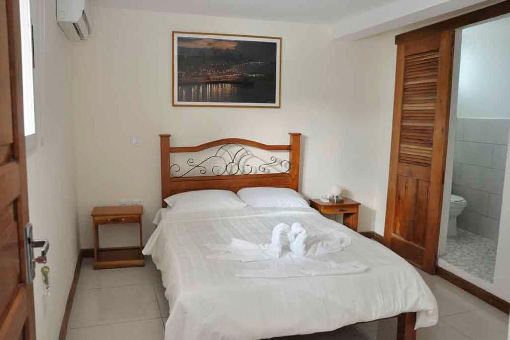 Casa Zenia Havanna, room facing the balcony
