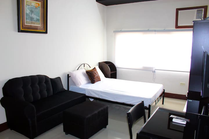 20-City View Rm Near SM City Cebu & Robinsons Mall