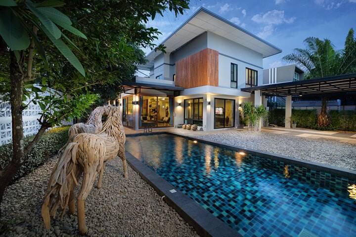 豪华别墅,设有私人游泳池送 Urban Central Chiang Mai Pool Villa