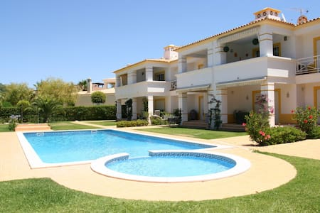 Large  2 Bed 2 Bath Apt FREE WIFI - Appartement