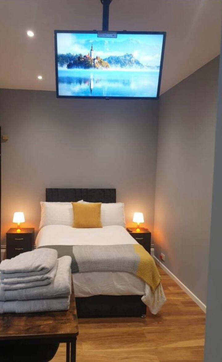 Canary modern studio - rest, relax & restore