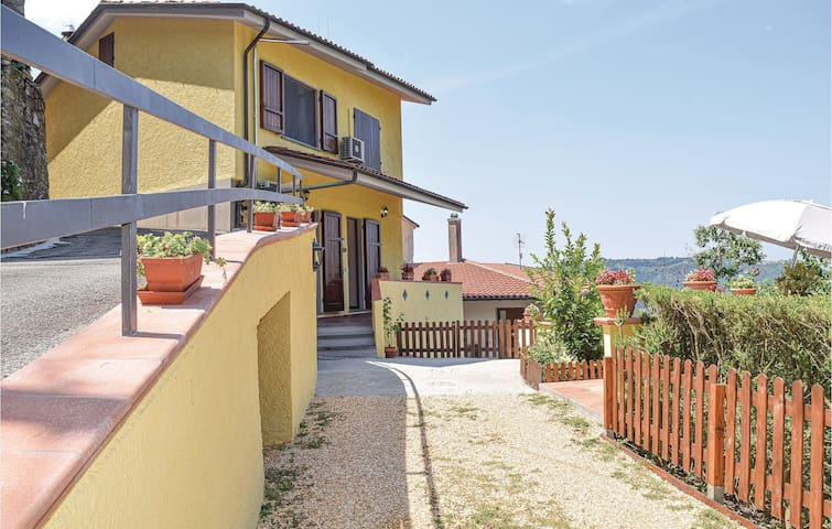 Beautiful home in Camaiore with 3 Bedrooms
