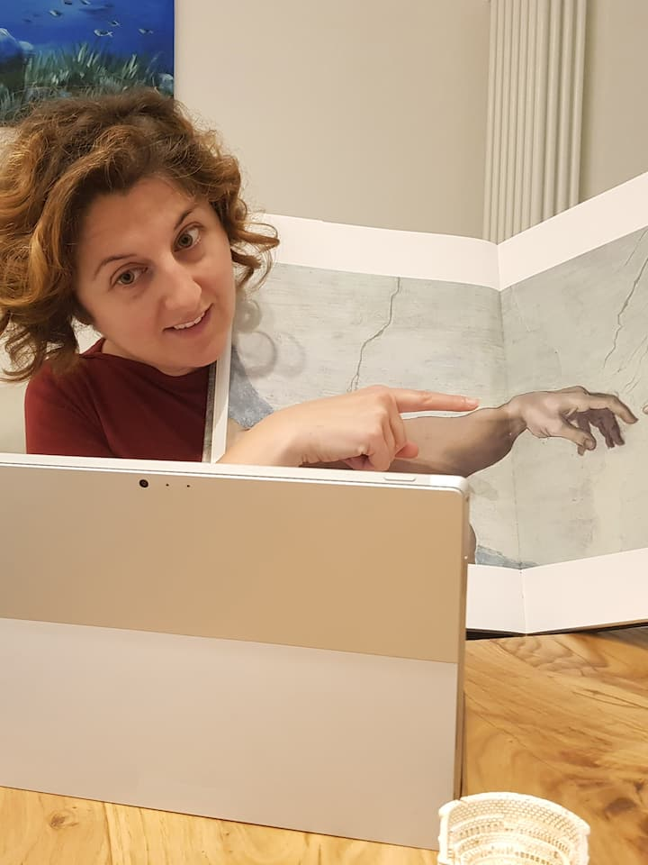 Alessandra showing Michelangelo's art