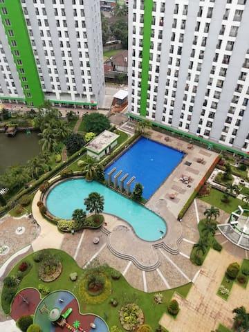 Nice studio near Jakarta incl pool