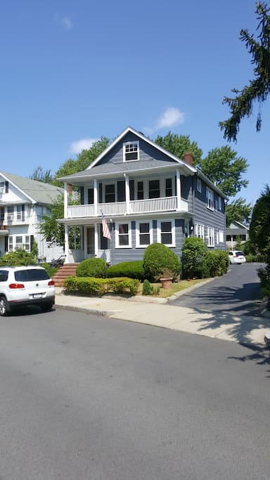 3 Bedroom Newly Renovated In Brighton Center Houses For Rent In Boston Massachusetts United