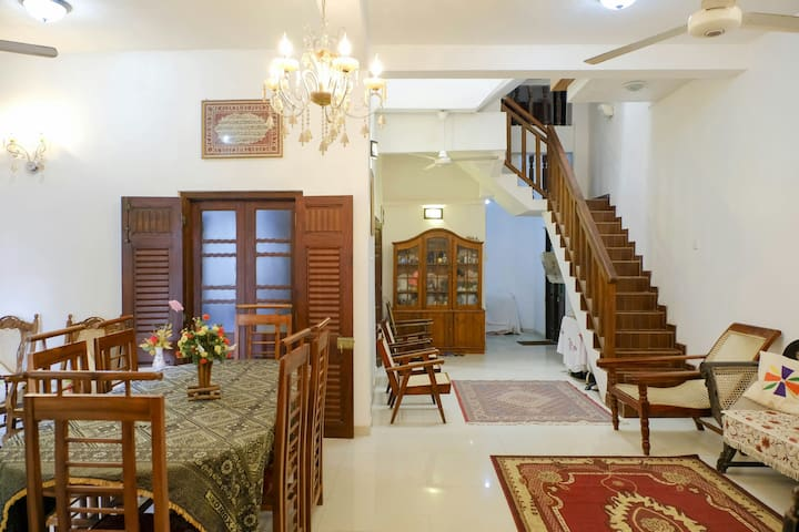 Galle-Fort-suite with sea view(5 guests)