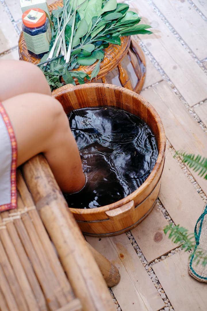 Foot soak relives pain, cold feet