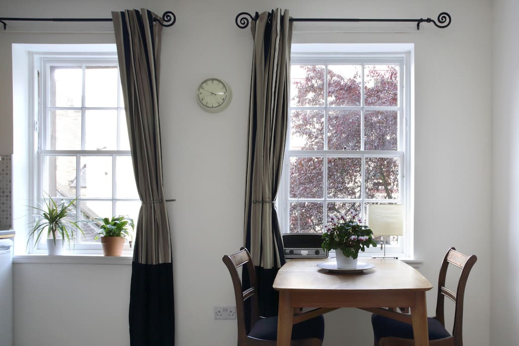 Peaceful Flat Close To The Castle Apartments For Rent In Edinburgh United Kingdom
