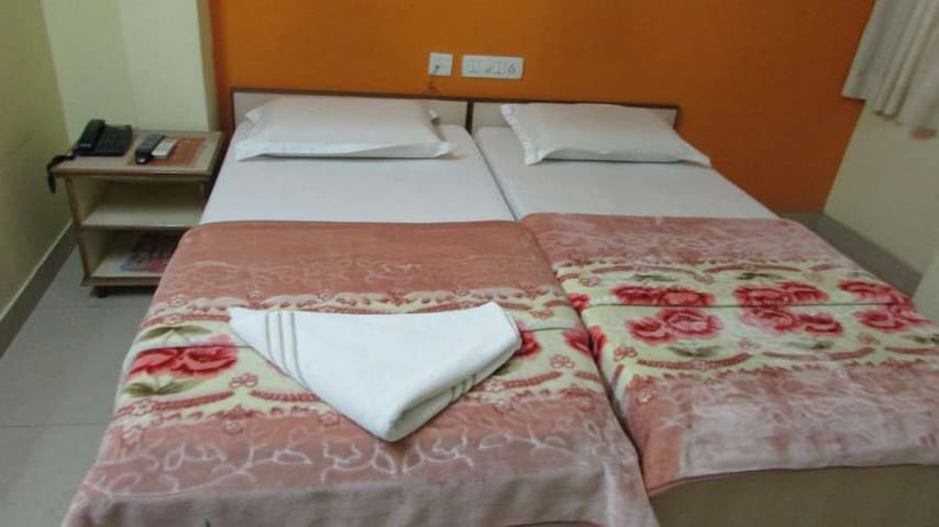 Stay for two members in Gachibowli - Hyderabad - Appartement