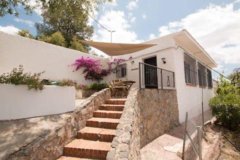 Romantic villa/Private pool/Stunning views/Hot tub