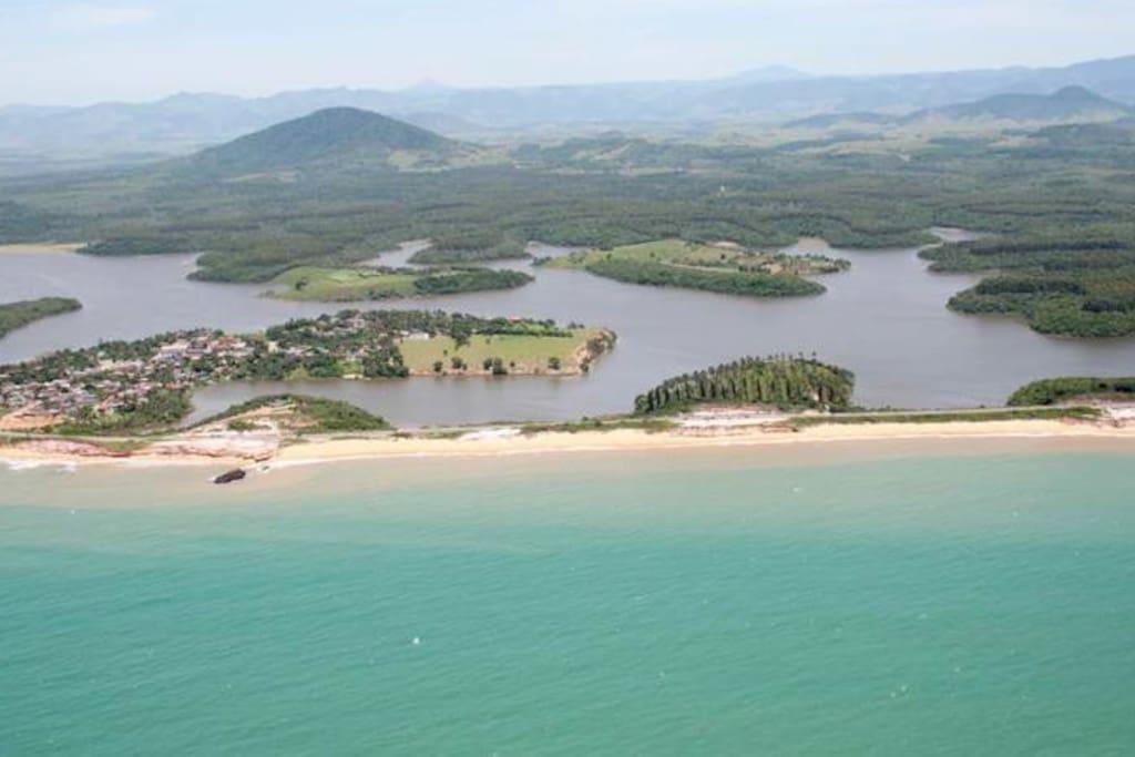 Praia e Falésias e Lagoa de mãe ba