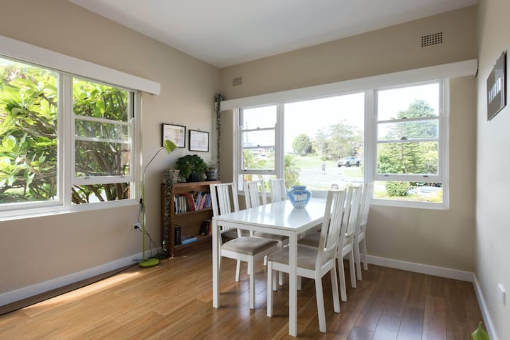 Bright airy apartment close to everything - Queenscliff - Appartamento