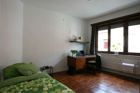 Nice furnished bedroom in Leuven (Heverlee) - Leuven