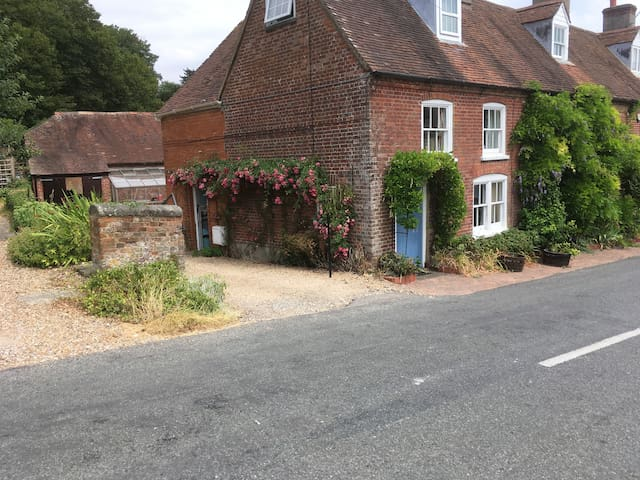 CROWN COTTAGE, LOWER BRYANSTON.BLANDFORD.