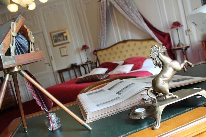 Suite Maréchal Foch (chambre historique) 45m²