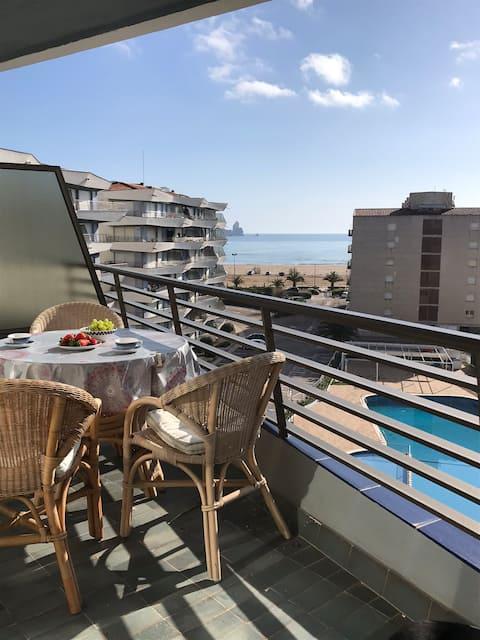 Apartment in l'Estartit near beach with pool